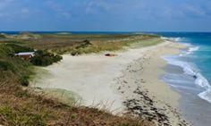 Напуштено Схелл Беацх на острву Херм, Канал острва.