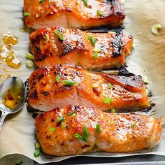 Baked Thai Salmon Recipe (crispy honey garlic salmon) -- 3 ingredient & 15 minute out of this world healthy dinner! Salmon Dishes, Seafood Dishes, Seafood Bake, Seafood Platter, Fresh Seafood, Fish Dishes, Healthy Family Meals, Healthy Dinner Recipes, Family Recipes
