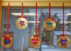 Anna idean kiertää!: 11. päivä: Valmiit joulupallot Christmas Decorations, Christmas Ornaments, Holiday Decor, Christmas Handprint Crafts, Art Lessons For Kids, Kindergarten, Preschool, Drawings, Winter