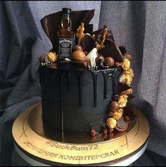 47 Ideas For Birthday Cake Ideas Sweet 16 Birthday Cake For Him, Birthday Cakes For Men, Birthday Ideas, 40 Birthday, Birthday Desserts, Drippy Cakes, Alcohol Cake, 18th Cake, Retirement Cakes