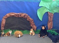 Animals Everywhere Theme. In the jungle dramatic play.