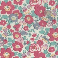 Features Fabric Type: Tana Lawn Composition: Egyptian Cotton Printed in Japan Cut Sizes Fat. Liberty Print, Egyptian Cotton, Name Cards, Fabric Patterns, Lawn, Quilts, Wallpaper, Composition, London
