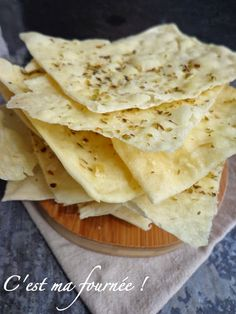 Discover recipes, home ideas, style inspiration and other ideas to try. Crusty Italian Bread Recipe, Italian Bread Recipes, Easy Bread Recipes, Cooking Recipes, Easy Snacks, Easy Meals, Healthy Crackers, Cuisine Diverse, Vegan Kitchen