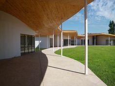 Colegio Pucalan en Colina Sidewalk, Pageants, Architects, Walkways, Pavement