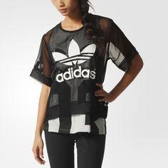 Componha com essa elegante Camiseta Basketball Logo transparente para um visual esportivo e moderno. O estiloso chiffon é cortado em um formato grande e estampado com um Trevo com estampa emborrachada na parte da frente.