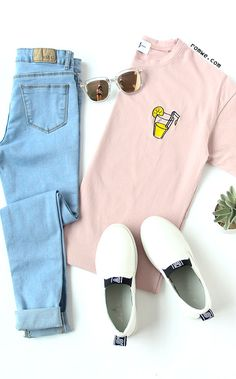 Lemon Juice Embroidered T-shirt - Pink