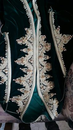 N/A Embroidery Neck Designs, Hand Embroidery, Girl Fashion, Fashion Outfits, Womens Fashion, Caftan Gallery, Moroccan Caftan, Theatre Costumes, Caftan Dress