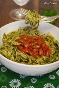 Fettuccine com pesto de salsinha e tomates assados « chezbianca