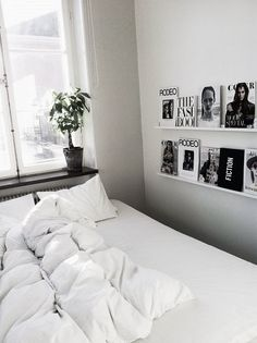 Home Interior Design 60 Beautiful Small Master Bedroom Decor Ideas Interior Design 60 Beautiful Small Master Bedroom Decor Ideas Small Master Bedroom, White Bedroom, Small Bedrooms, White Bedding, My Ideal Home, Decoration Inspiration, Decor Ideas, Decorating Ideas, Art Ideas