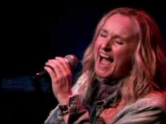 Melissa Etheridge - Bring Me Some Water (Live in Sophie's Lounge)