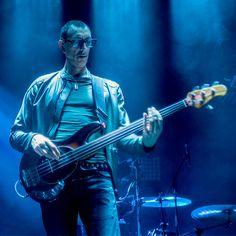 Pino Palladino. My favourite bass player. No one plays a fretless quite like Pino Palladino.