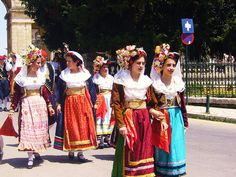 Kerkyra/Corfu Greek Traditional Dress, Traditional Outfits, Greek Dancing, Dance Costumes, Greek Costumes, Corfu Island, Costumes Around The World, Greek Culture, Folk Dance