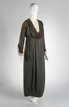 Lanvin dress, 1913 The Metropolitan Museum of Art Edwardian Dress, Edwardian Fashion, Vintage Fashion, Edwardian Style, Jeanne Lanvin, Court Dresses, 20th Century Fashion, Turkish Fashion, Period Outfit