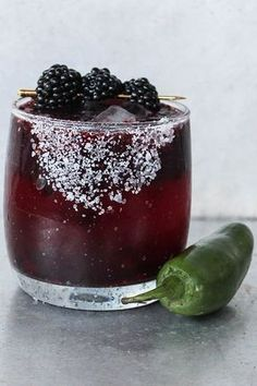 Spicy Blackberry Margarita [Recipe] - Blackberries - Ideas of Blackberries - Margarita Recipes Fancy Drinks, Summer Drinks, Cocktail Drinks, Vodka Drinks, Cocktail Recipes, Alcoholic Drinks, Beverages, Drinks Alcohol, Margarita Alcohol