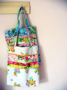 I remember when Alicia made these. LOVE :: vintage sheet bag from Posie Gets Cozy