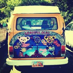 Awesome hippie bus with Grateful Dead bears :) via | Hippies Hope Shop…