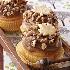 Pecan Pie Cupcakes- quintessential dessert of fall. Crunchy toasted pecans and buttery Piecrust Leaves enhance the rich creamy frosting for a cupcake you'll make again and again. Pecan Pie Cupcakes, Yummy Cupcakes, Cupcakes Fall, Thanksgiving Cupcakes, Pecan Pies, Christmas Cupcakes, Gormet Cupcakes, Icing Cupcakes, Apple Cupcakes