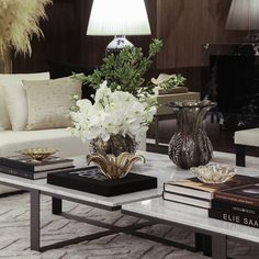 Easy living room design and style tips - Are you re-decorating your living room? Find the best living room ideas, inspiration and designs to match your style. Click the link for more info. Living Room Decor Guide, Cozy Living Rooms, Living Room Inspiration, My Living Room, Living Room Designs, Living Room Furniture, Apartment Living, Small Living, Modern Living