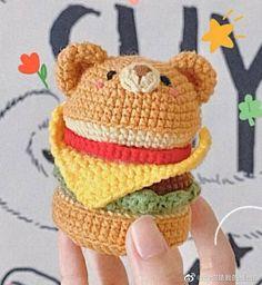 Diy Crochet Projects, Yarn Projects, Crochet Crafts, Sewing Crafts, Crochet Animal Amigurumi, Crochet Amigurumi Free Patterns, Crochet Dolls, Crochet Handles, Handmade Friendship Bracelets