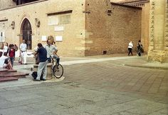 A Summer day at a Bologna's Square