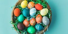 How to Dye Easter Eggs for the Brightest, Boldest Colors - DIY Crafts Easter Egg Dye, Coloring Easter Eggs, Easter Hunt, New Egg, Speckled Eggs, Diy Y Manualidades, Cracked Egg, Easter Season, Egg And I