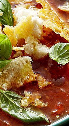 Tuscan Tomato Soup with Parmesan Crisps ❊