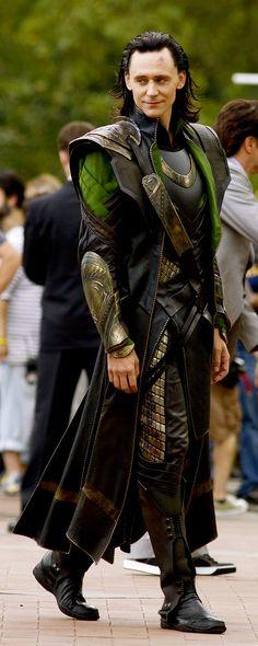 Tom Hiddleston at The Avengers movie set in NYC (September, 2012). Source: https://www.flickr.com/photos/sanandedits/7952948142/in/photolist-d7LWpy-j6kdKw-qQXyR9-giPodp-eCfvje-bVYXk8-fehY5e-fexoxm-feJYN1-fei5xB-feuZca-fexcBw-feuHGi-fkuR6u-c2e6jy-fexagY-fei38k-fgbTit-fehSYR-c2e6fm-esp2z1-feuRt4-pWyYKG-c2e6AL-fexhwW-ddx2Gg-ddx49j-ddx3hH-dLR9nK-ddx2Zr-feK8zC-fexmsb-afydVT-bXBVts-ho2bZt-aGrP5B-d8dJLh-dDgr3Z-dmsadw-fnN4Dw-dXEZQj-ckqp3E-d9V3Af-d9V3mD-d9V4zG-d9V2NC-d9V31X-d9V4cc-aGrP5T-fL3P3s
