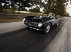 15 Perfect Shots Of A Gentlemanly 1959 BMW 507 Roadster Series II. A looker.