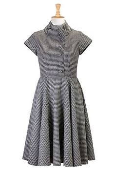 won't work with my body type, but i really like it!    1950s , 1960s, 50s style, 60s style, acrylic, below-knee-length, borrowed-from-the-boys, cap-sleeve, cotton-blend, day-to-evening, fifties-style, fit-and-flare-dresses, high-collar, houndstooth, pockets, roll-collar, sixties-style, swing, woven, zip,dresses