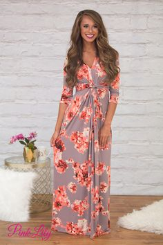 This sweet floral maxi dress is perfect for welcoming fall in a classy and elegant way!