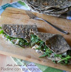 Piadine con grano arso facili, per accompagnare salumi, formaggi e verdure dai sapori spiccati.