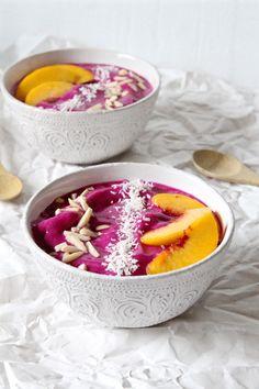 Tropical Pink Dragon Fruit Smoothie Bowls