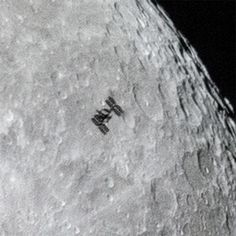 Space Station Crosses Moon's Face in Stunning New Photo