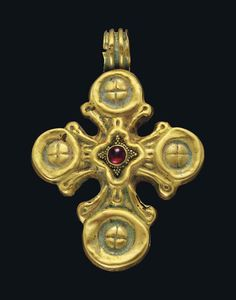A BYZANTINE GOLD AND GARNET PENDANT CROSS CIRCA 6TH-7TH CENTURY A.D.