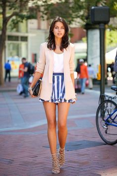 Love the blue and nude combo with the strappy heels. The length of the blazer if perfect with the shorts.