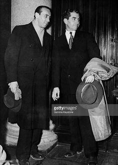 After Having Been Imprisoned Then Expelled From The United States, Lucky Luciano (Right), One Of The Leaders Of The Sicilian Mafia, Returned To Milan In 1947. From There, He Left For Naples To Form Contacts With The Corsicans Joe Renucci Adn The Francisci Brothers To Develop Networks For Heroin Trafficking In The Mediterranean. This Was The Period During Which The Great Criminals Of The United States Left As Expatriates To Sicily To Rebuild A New Mafia.