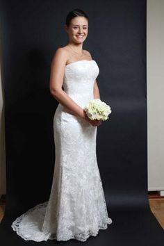 Sassi Holford 'Daisy' £1295 #sassiholford #prelovedweddingdress #designerweddingdress #laceweddingdress #bride #bridetobe #wedding #weddingdress #londonbride #surreybride #teddington