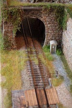 All About Standard Gauge Toy Trains N Scale Model Trains, Model Train Layouts, Scale Models, Train Ho, Escala Ho, Train Tunnel, Garden Railroad, Landscape Model, Real Model