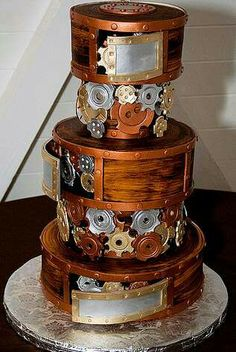 This is a steampunk wedding cake created by Mike's Amazing Cakes in Seattle, WA and photographed by Libby Bulloff. I heart fondant! Liz and Austin's steampunked wedding cake. Crazy Cakes, Fancy Cakes, Pink Cakes, Pretty Cakes, Cute Cakes, Beautiful Cakes, Amazing Cakes, Unique Wedding Cakes, Unique Cakes