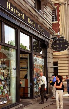 Harvard University - Harvard Book Store | David Ohmer | Flickr Harvard Universität, Harvard Square, Harvard Campus, Harvard Library, Harvard College, School Motivation, Study Motivation, College Aesthetic, Dream School