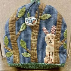 Thank you Doris for sharing this super-cute rabbit #mysteryproject2017 #cottonandcolor #patchwork #patchworkquilt #quilt #patchworklovers #handicraft #handmade #creative #artesanato #quiltersofinstagram #madewithlove #quilterslife
