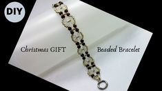 Simple and easy beading pattern for diy beaded bracelets. Gather the beading supplies and make this elegant and unique bracelet with beads. Beaded Bracelets Tutorial, Beaded Bracelet Patterns, Handmade Bracelets, Beading Patterns, Earrings Handmade, Paper Bead Jewelry, Beaded Jewelry, Diy Christmas Gifts, Christmas Tree