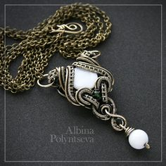 """""""Medea"""" mother of pearl, white agate, Chrysoprase"""