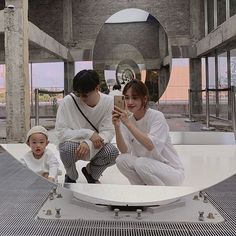 Image may contain: one or more people and people sitting Cute Little Baby, Little Babies, Cute Babies, Swag Couples, Cute Couples Goals, Ulzzang Kids, Ulzzang Couple, Asian Kids, Asian Babies