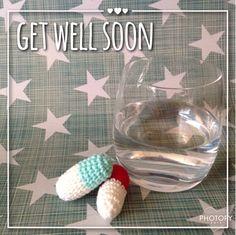 Op Instagram bestelde ik een setje capsules (pillen) waar je een briefje in kunt stoppen. Ze inspireerden me om een capsule te haken. Een k...