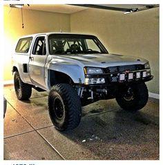 Chevy Blazer w/ 04 1500 front clip pre-runner Gm Trucks, Lifted Trucks, Cool Trucks, Chevy Trucks, Pickup Trucks, Chevy Duramax, Lifted Chevy, Chevy Silverado, Chevy Blazer K5