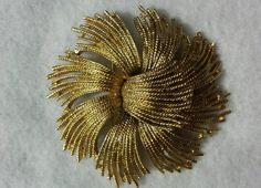 Vintage Monet Gold Toned Brooch / PIn #Monet