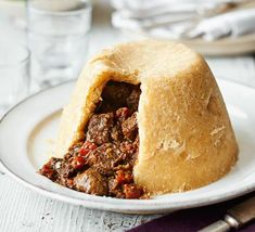 Steak Steak And Kidney Pudding, Steak And Kidney Pie, Stewing Steak, Food C, Creamy Mashed Potatoes, Thing 1, Bbc Good Food Recipes, Good Enough To Eat, Food Shows