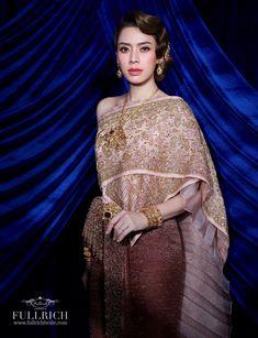Thai Traditional Dress, Traditional Wedding Dresses, Thai Wedding Dress, Hanfu, Thailand, Sari, Costumes, Formal, Fantasy