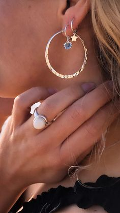 Feel Unique, Kawaii Fashion, Jewerly, Diamond Earrings, Jewelry Accessories, Art Deco, Make Up, Bling, My Style